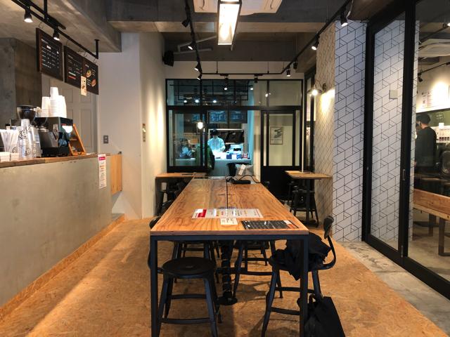 三鷹で無料wifiや電源コンセントがあるノマドにおすすめのカフェ お店
