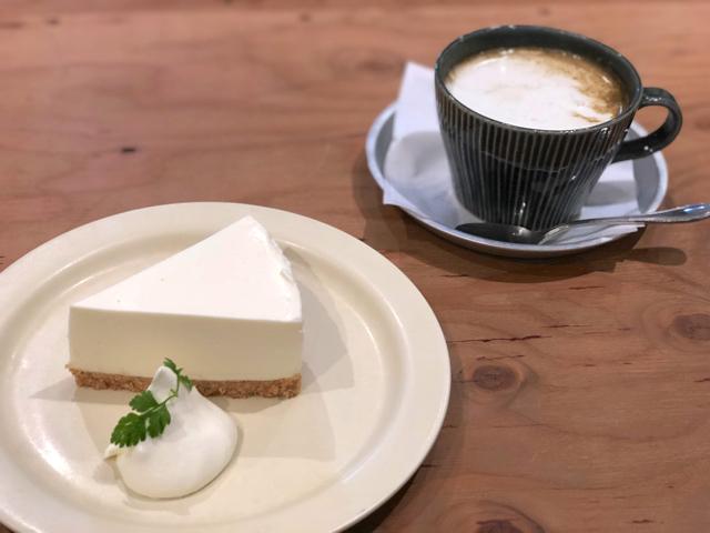 四歩(しっぽ)のチーズケーキ