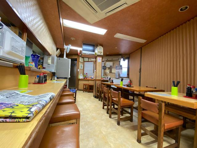 三鷹の「いしはら食堂」の店内