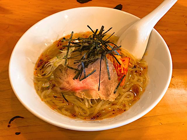 ハチイチホルモンの冷麺