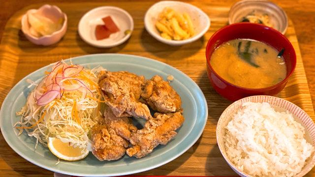 もがめ食堂 東急裏店の唐揚げ定食ランチ
