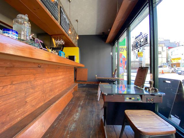西荻窪「アーケード カフェ&バー ハイスコア」の店内