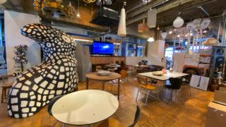 カフェ スモールの内装