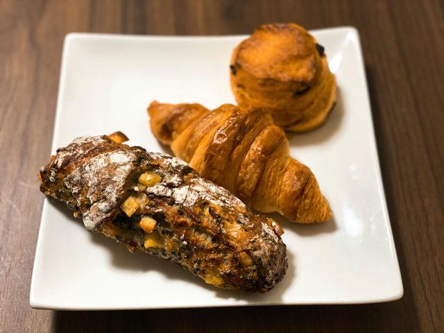 三鷹のカラスパンのパン3