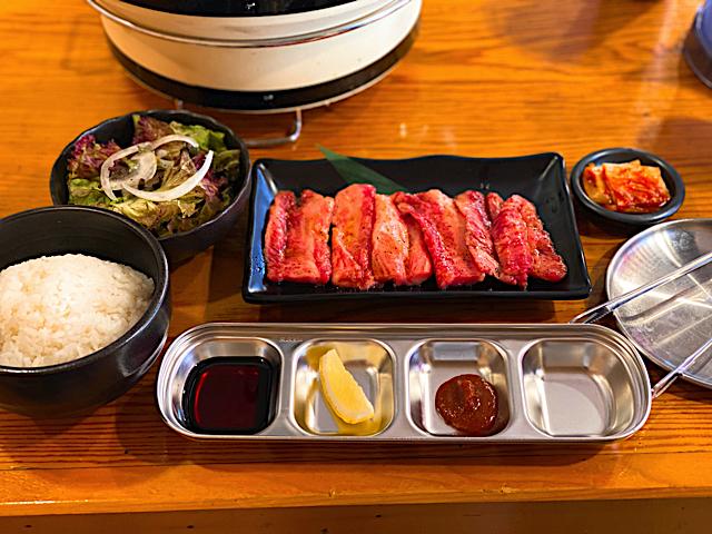 焼肉UMAMI 三鷹駅前店のカルビ定食