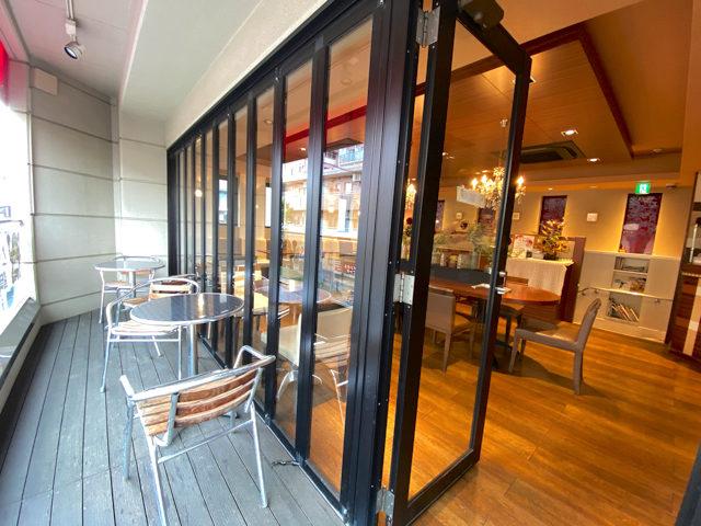 ベーカリーカフェ・クラウン 武蔵境店のテラス席