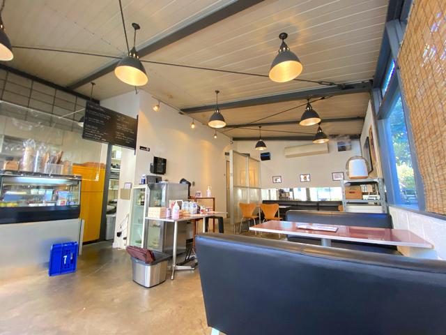 西荻窪「ニューベリーカフェ(NEWBURY CAFE)」の店内