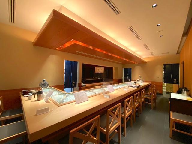 鮨 割烹 福松(ふくまつ)三鷹店の店内