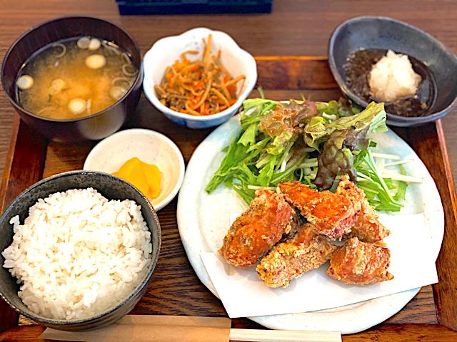 西荻窪「鶏時々豚」の唐揚げ定食