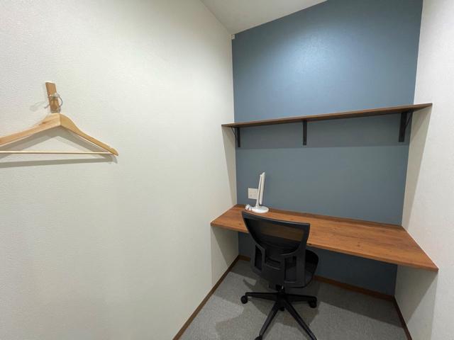 BIZcomfort(ビズコンフォート)三鷹店の個室1