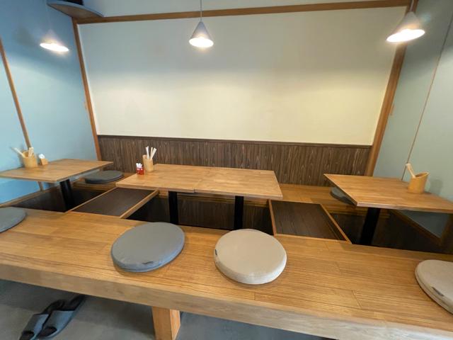 三鷹台「さんまる食堂」の店内