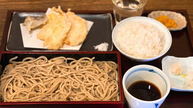 三鷹「味のそば兵衛」の天ぷら蕎麦セット