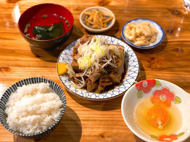 吉祥寺の大衆酒場 長次郎で食べた肉豆腐定食