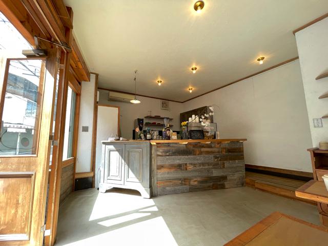 三鷹「Rowans coffee」の店内