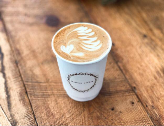 三鷹「Rowans coffee」のカフェラテ2