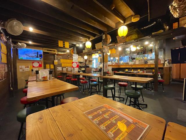 吉祥寺の串屋横丁「みくちゃん食堂」の店内