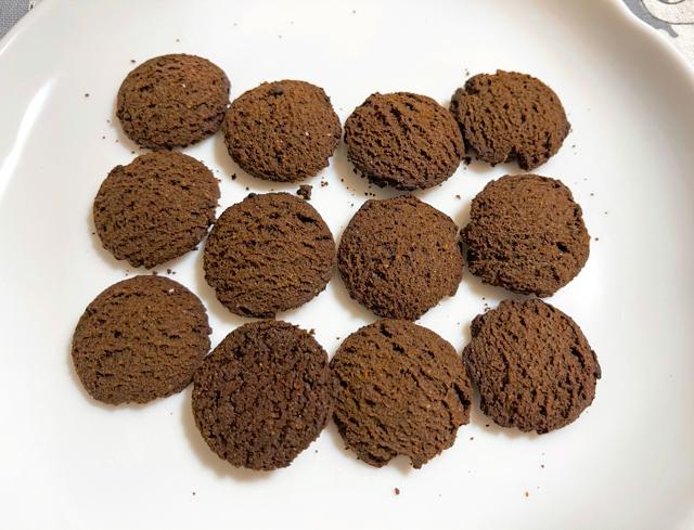 ベースクッキーココアの味のまずい感想をレビュー1