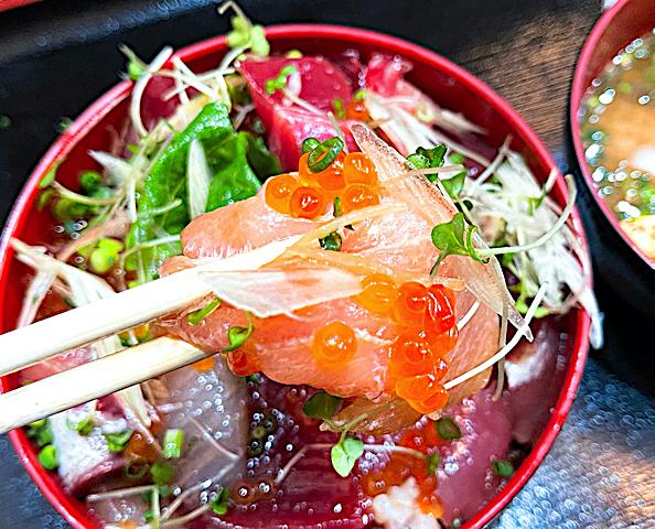 武蔵境おさかな家さんの驚愕の海鮮漬け丼2
