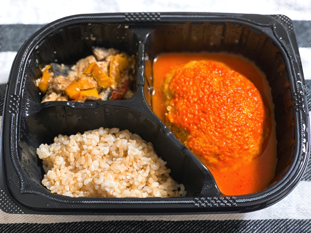 マッスルデリの豆腐ハンバーグと味噌炒めセット