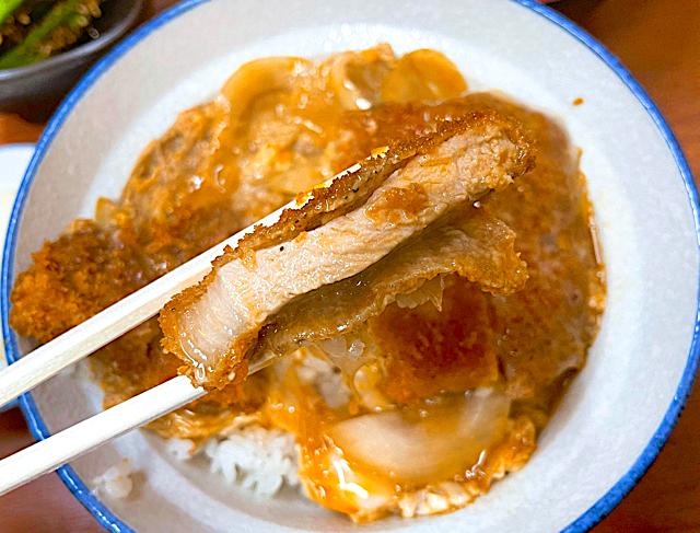 西荻窪「秀よし」のカツ丼2