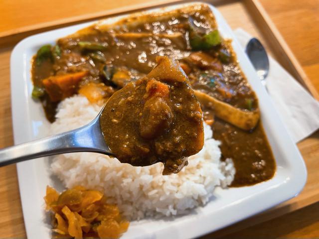 三鷹「シャイン&毎度屋」の野菜カレー2
