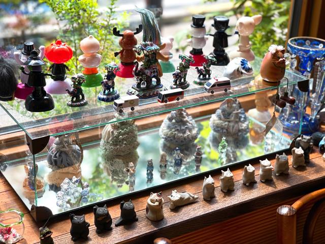 三鷹の日本茶専門店「さらさら」の店内3