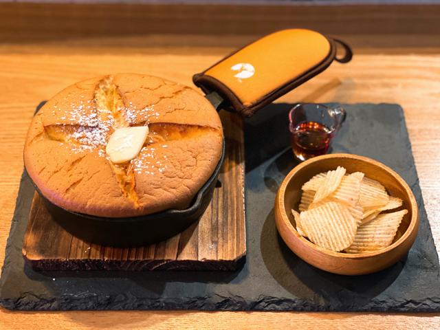 西荻窪「しんこぺ」のホットケーキ1